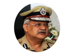 gujarat-dgp-gets-extension-in-service